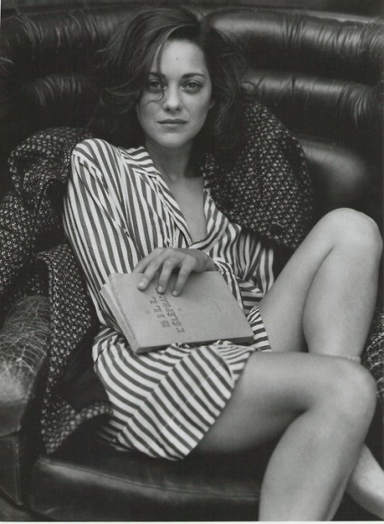 """Arte, Verdade e Política"", de Harold Pinter, é o livro favorito de Marion Cotillard."